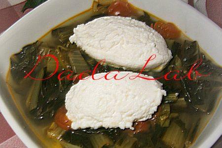 Zuppa di cicorie con quenelles di ricotta