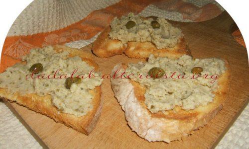 Crostini con mousse di merluzzo ai capperi