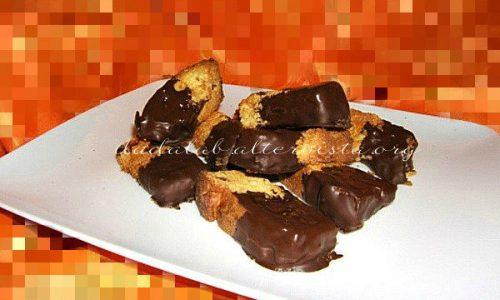 Bastoncini di panettone al cioccolato