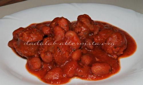 Salsiccia in umido coi fagioli