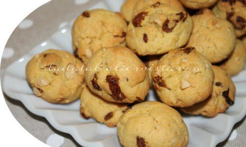 Biscotti alle nocciole e bacche di goji