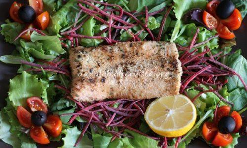 Filetto di salmone alle erbe e vino bianco