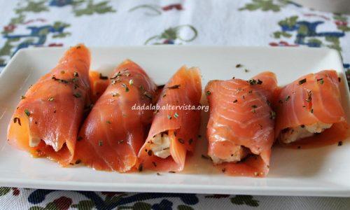 Involtini di salmone affumicato e robiola