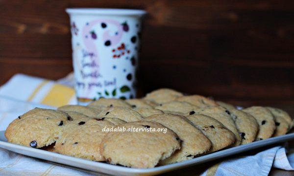 Biscotti della nonna con gocce di cioccolato
